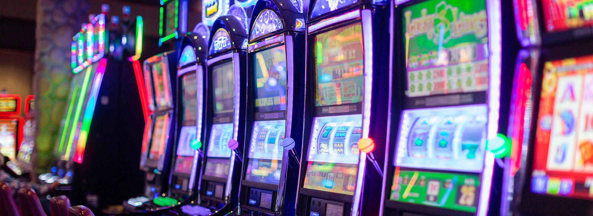 Play 8 Free Best Slots Games